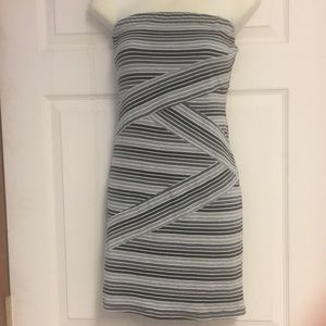 ZINGA STRAPLESS STRIPED DRESS